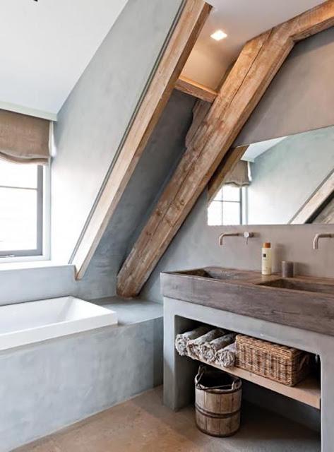 salle-de-bain-gris-clair-patine-sous-les-combles